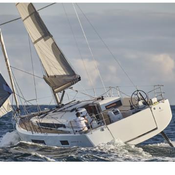 Dalla crociera alla regata: il mondo Jeanneau sbarca al VELAFestival